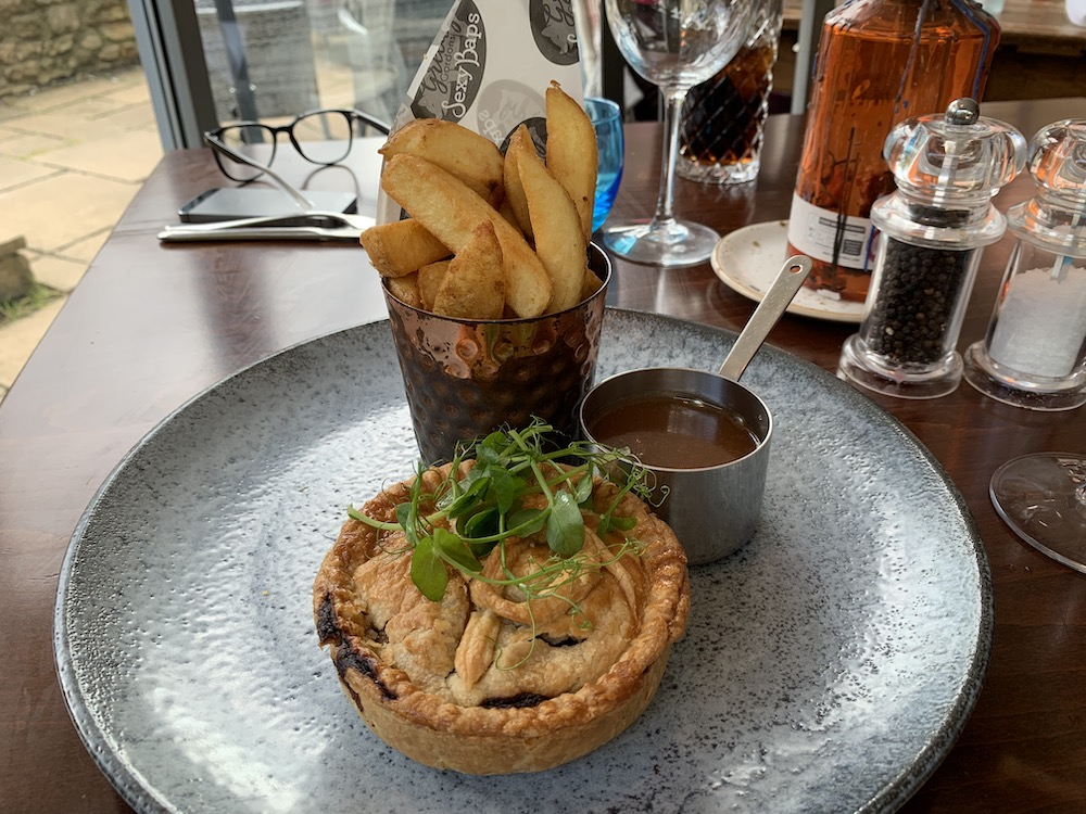 meat pie, chips and gravy