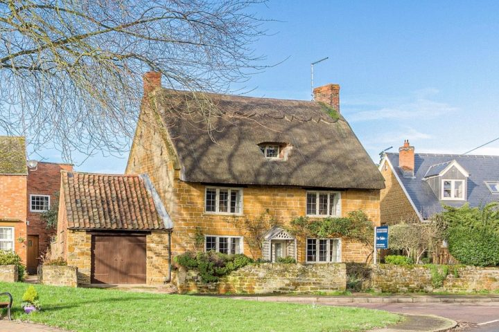 Harpole thatched cottage