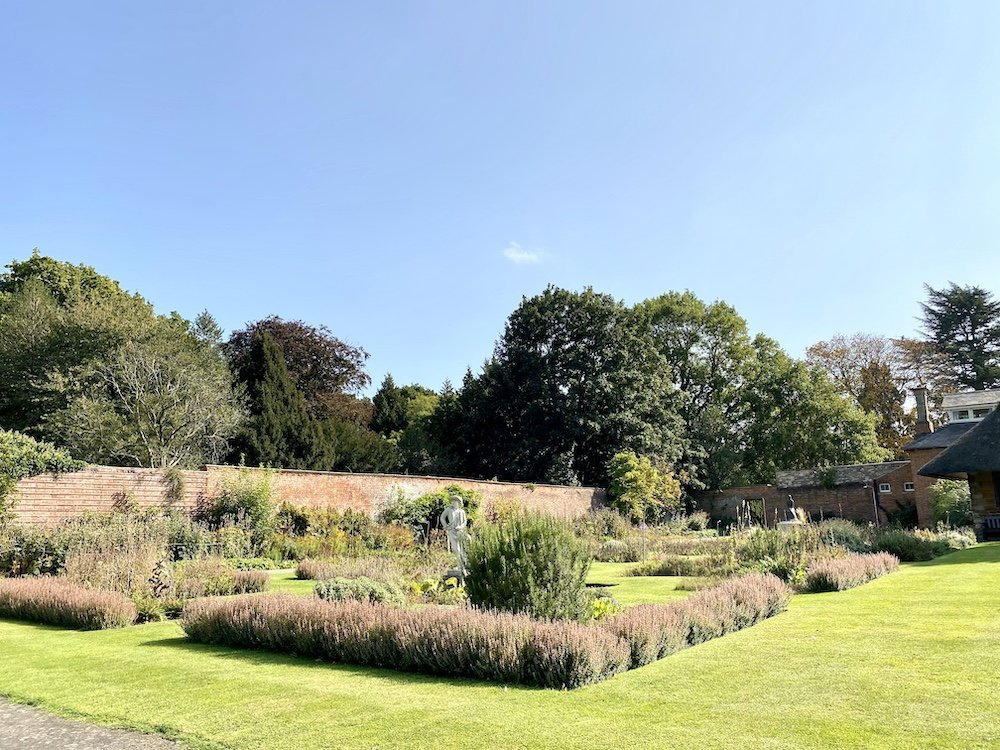 Delapre-Abbey-Walled-Gardens