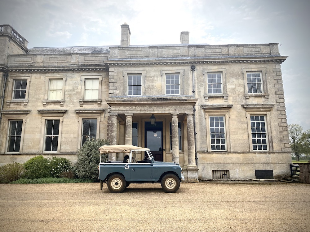 LAMPORT HALL AND GARDEN LANDROVER